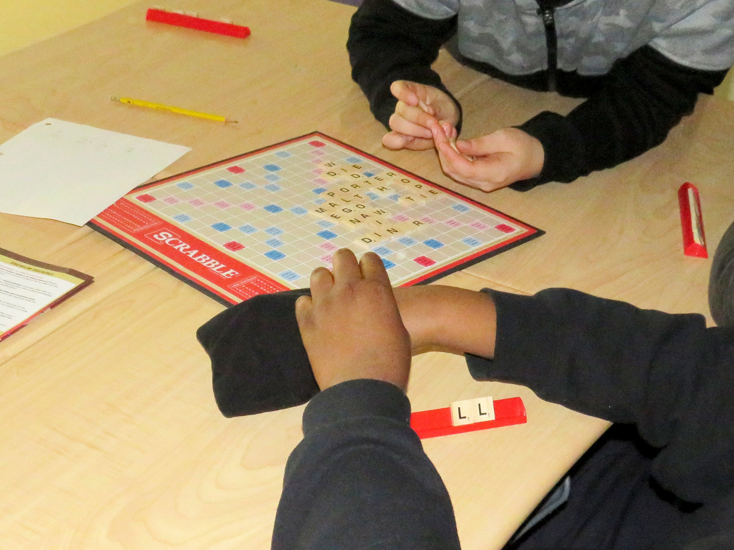 Students playing Scrabble in Cat Lake First Nation
